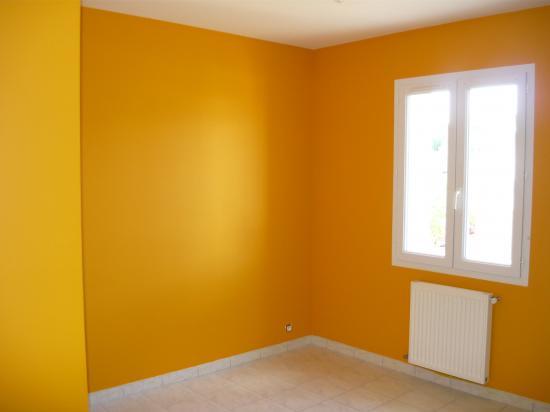 Chambre orange vert for Decoration chambre orange et gris