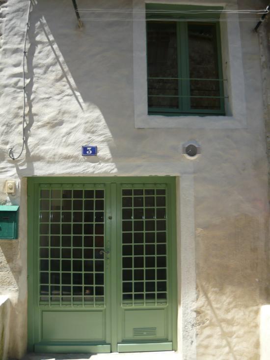 Mise en peinture boiseries et ferronneries extérieures/intérieures