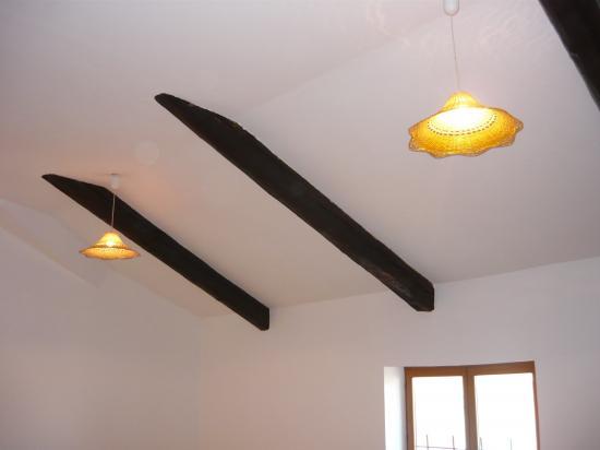 même traitement pour le plafond apres rebouchage et lissage des trous
