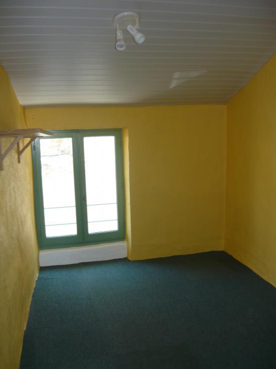 Application peinture jaune après traitement salpêtre