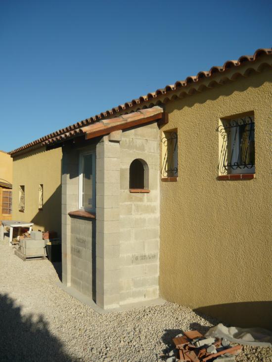 Mise en place toiture et appuis fenêtres