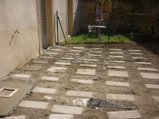regard dégout modifié pour etre intégré sous la terrasse