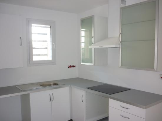 pose de 2 cuisines dans 2 logements neufs avignon. Black Bedroom Furniture Sets. Home Design Ideas