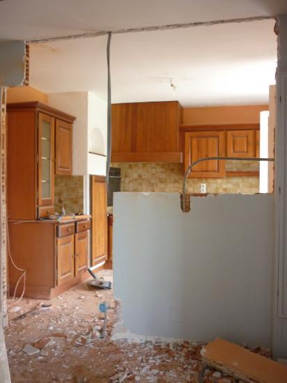 ouverture d 39 un pan mur en briques dans une cuisine pour un rendu type us. Black Bedroom Furniture Sets. Home Design Ideas