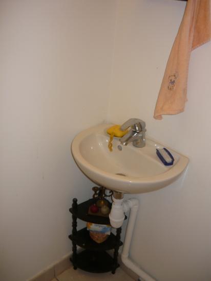 Pose de faïence dans un wc - ROQUEMAURE -