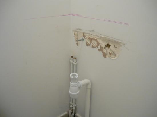 une fois le lavabo enlevé