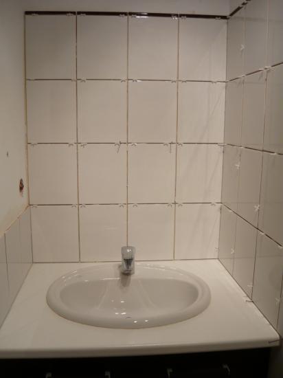 Pose de fa ence dans une salle de bain roquemaure for Pose de faience dans une salle de bain