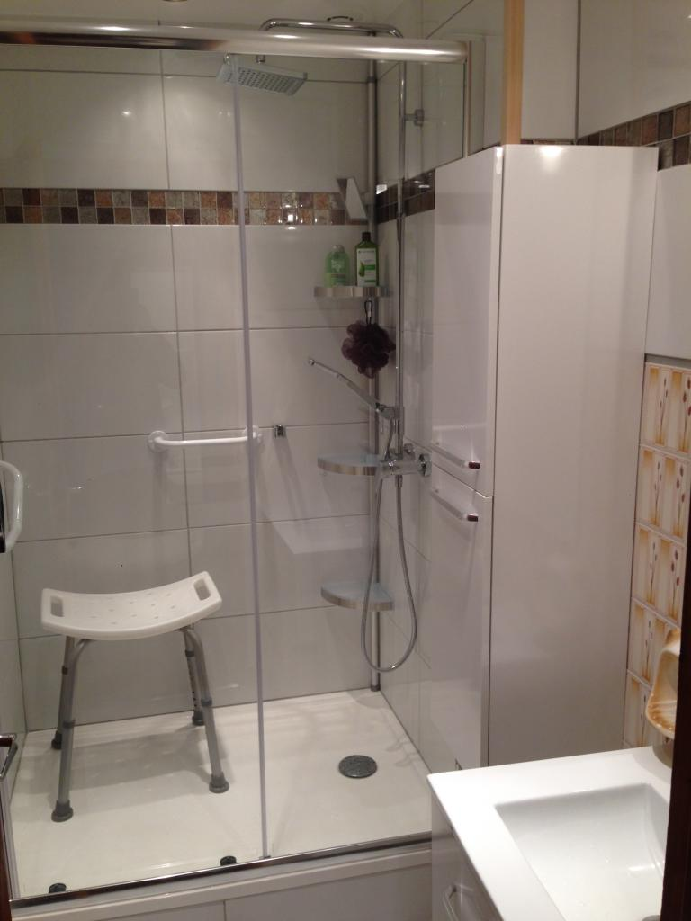 douche terminée et prête à l'emploi