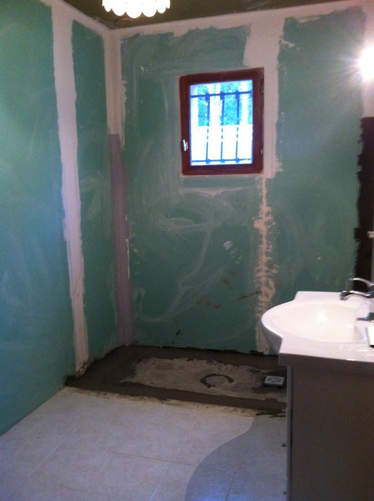 Doublage murs en placo hydro, etancheité peripherique