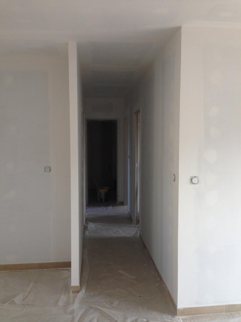 application sous couche dans couloir acces nuit et pi ces d eau. Black Bedroom Furniture Sets. Home Design Ideas