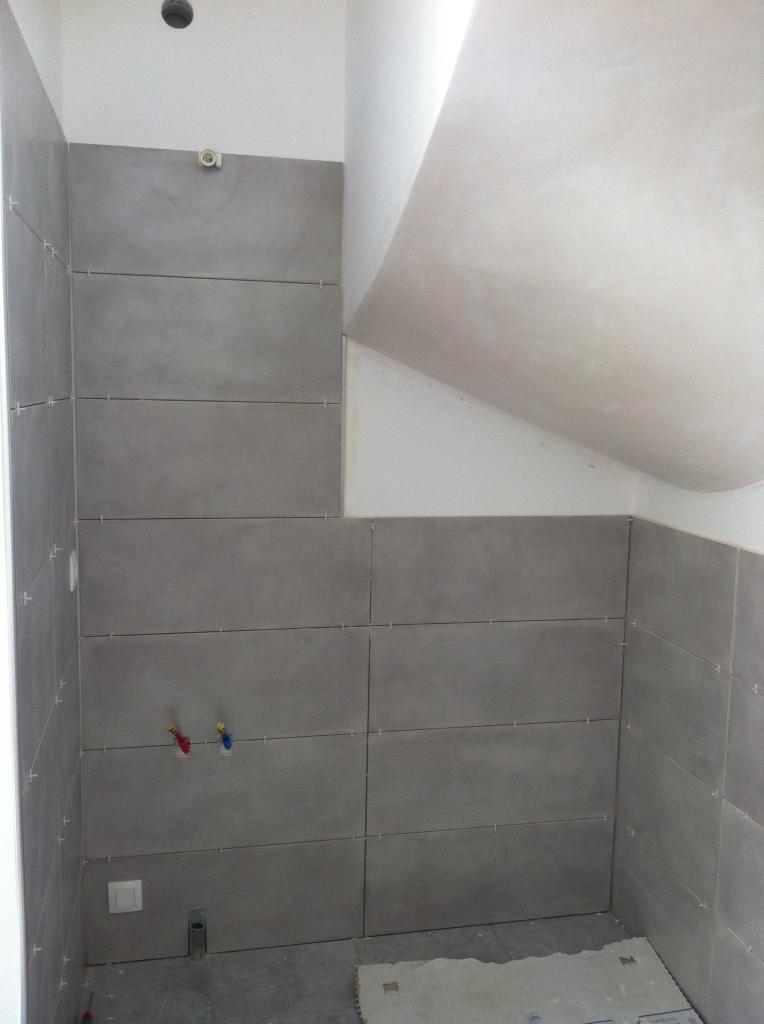 Mise en peinture murs et plafonds, mise en place faience point d'eau