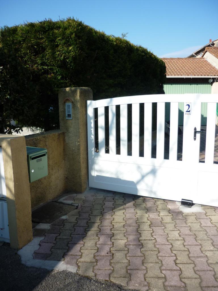 Entree portail avant travaux